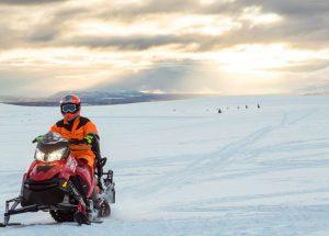 sněžný skútr Island