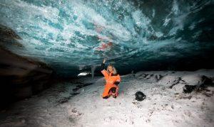 ledová jeskyně, skútry, Island