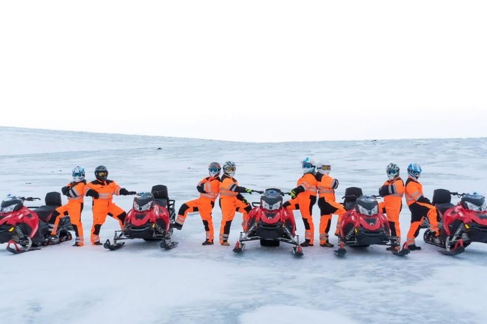 Exkurze na sněžných skútrech na Islandu