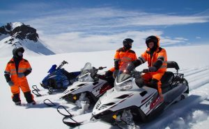 skutry-ledovec-island