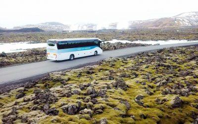 Autobus z Modré laguny do Reykjavíku