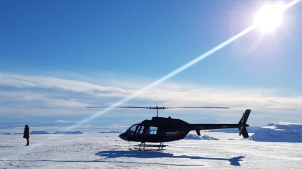 helikoptéra na ledovci