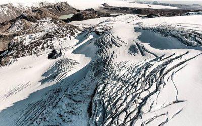 Helikoptérou na ledovec