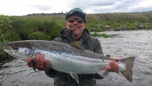 rybaření v řece na Islandu