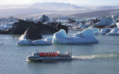 Loď na Jökulsárlón