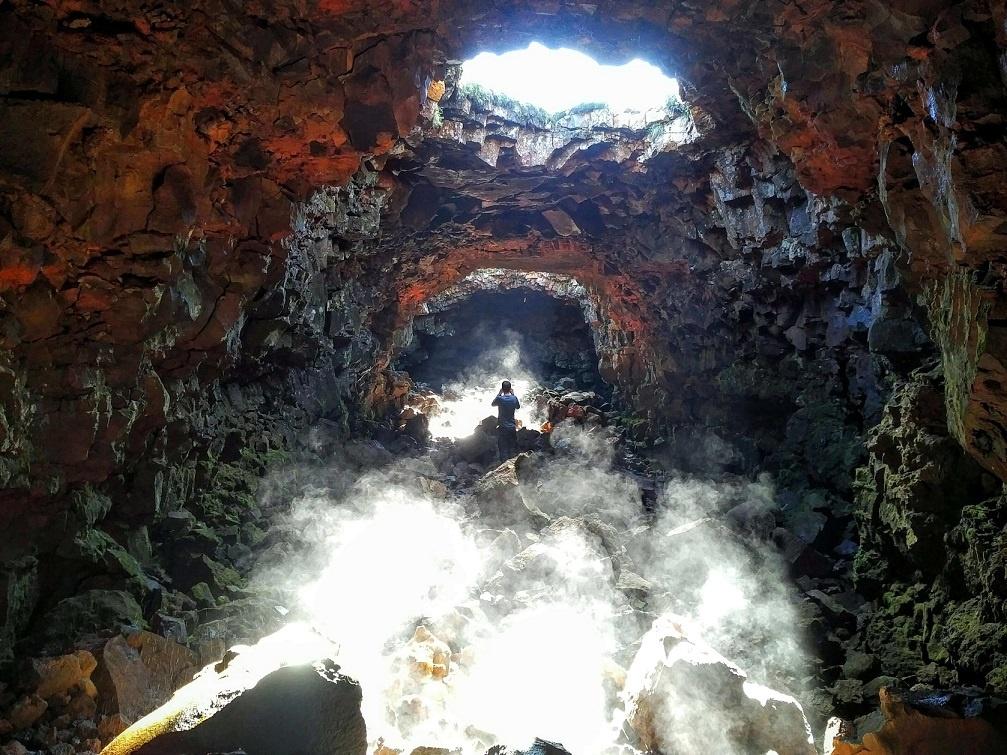 Exkurze do lávového tunelu