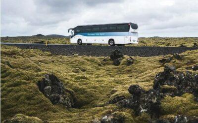 Autobus z Modré laguny na letiště v Keflavíku