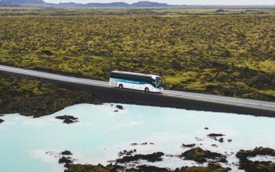 Autobus z letiště v Keflavíku do Modré laguny