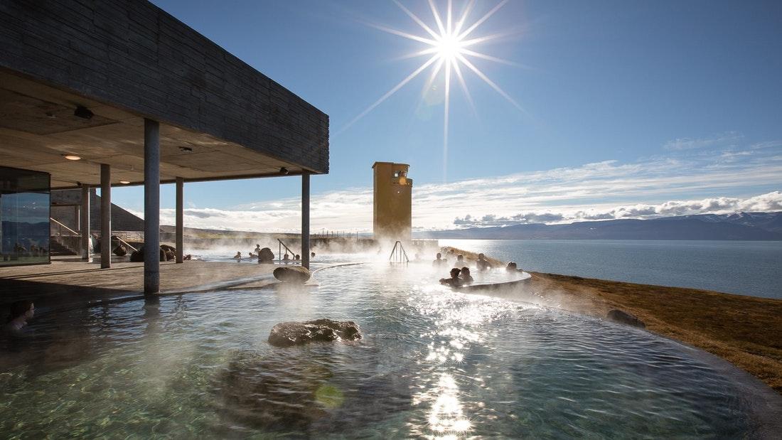 Vstup do geotermálních lázních na Islandu