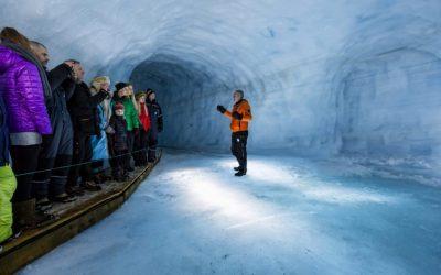 Tunel do ledovce z Reykjavíku