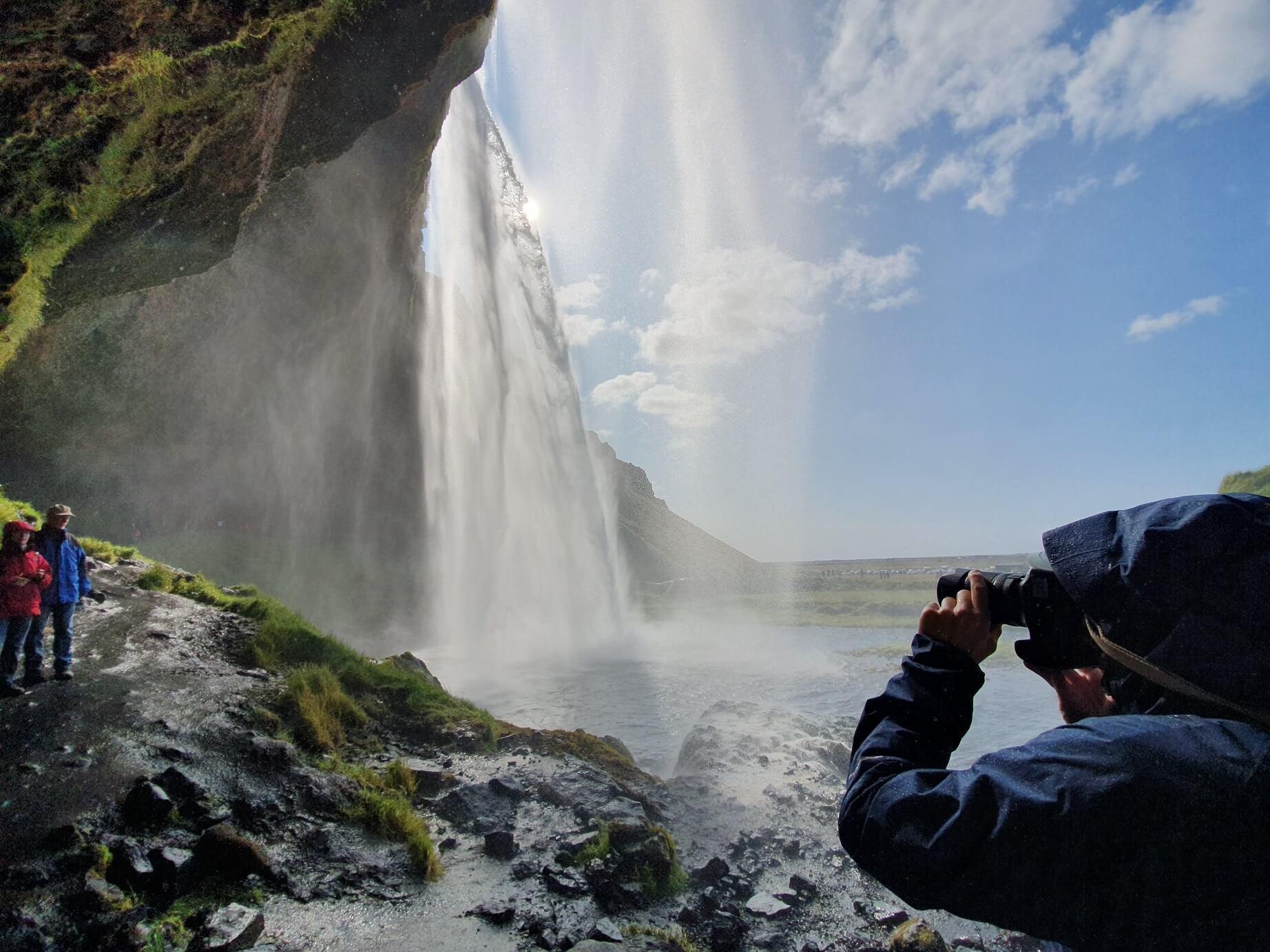 Vodopád Seljalandsfoss na Islandu
