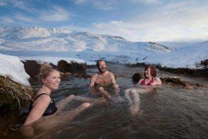 Trek v údolí Reykjadalur