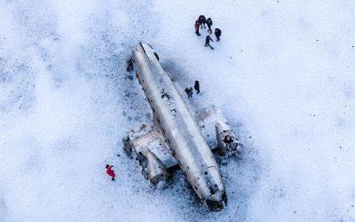 Vrak letadla a ledovec