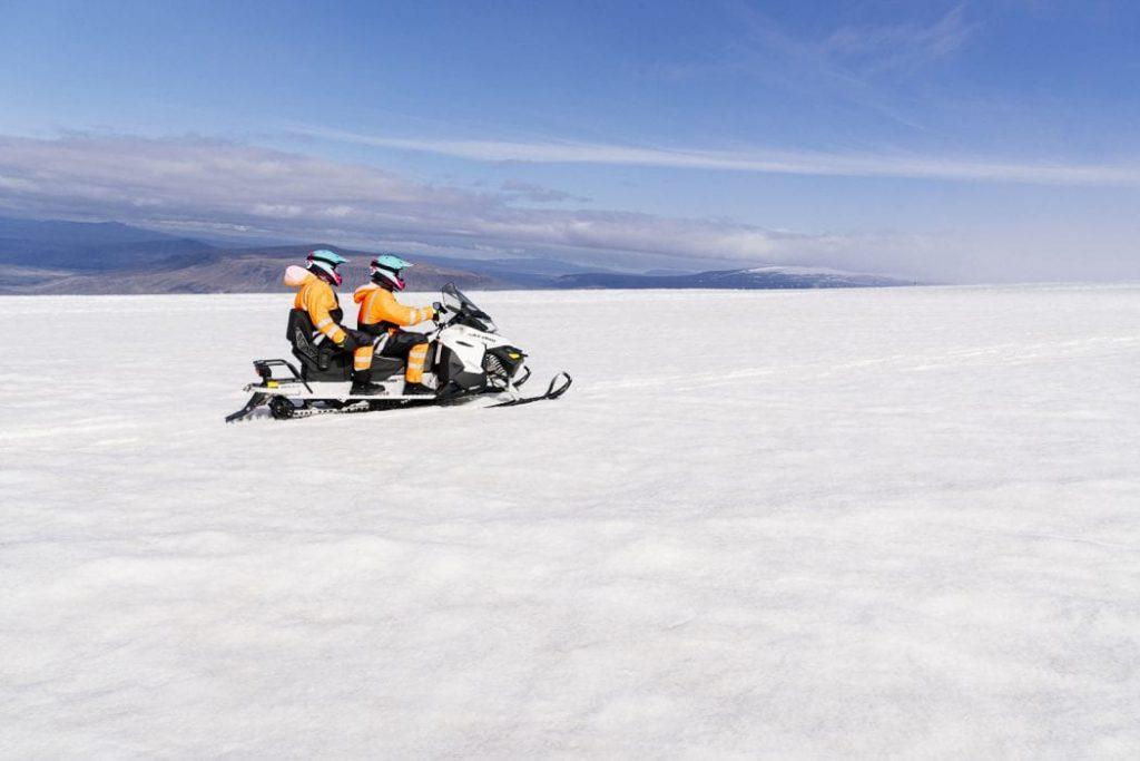 Sněžnýé skútry na ledovci Langjokull