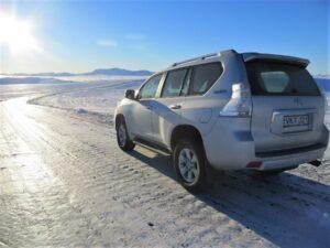 Auto na silnici na Islandu