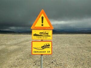 Značka pro silnice tipu F na Islandu