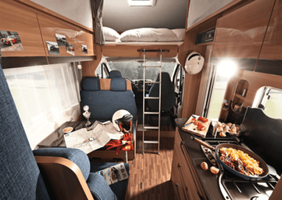 postele v karavanu na Islandu