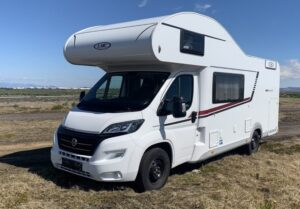 velký karavan na Islandu